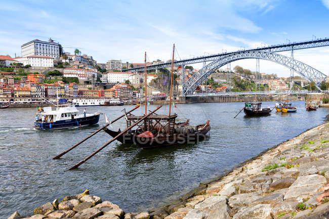 Vila Nova da Gaia and Douro river — Stock Photo