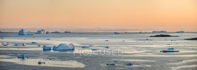 Greenland, Kulusuk, Floes drifting on water — Stock Photo