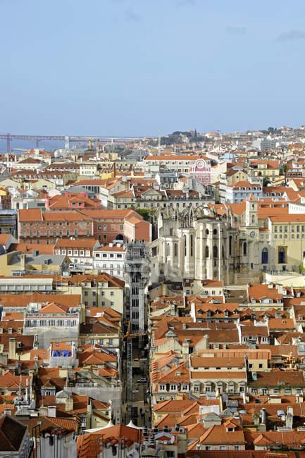 Paisagem urbana de Portugal, Lisboa, Ponte 25 de Abril em segundo plano — Fotografia de Stock