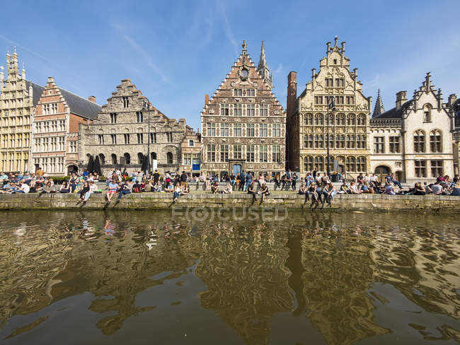Belgium, Ghent, Old Town, Graslei, historical Guild Houses at River Leie — Stock Photo