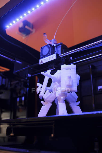 Robot 3D sur une plateforme d'imprimante 3D — Photo de stock
