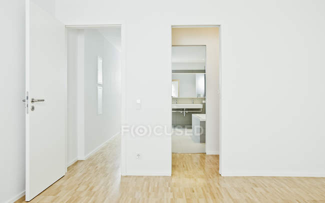 Corridor with room and bathroom — Stock Photo