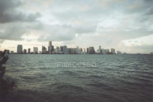 Stati Uniti, Miami, vista da Key Biscayne allo skyline di Miami — Foto stock