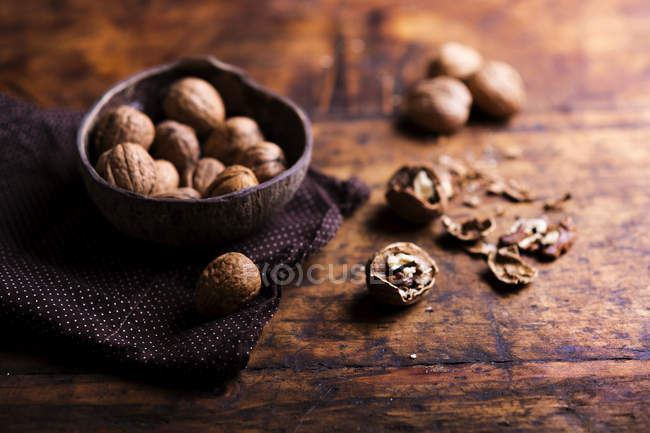 Tutto and Cracked Walnut — Foto stock