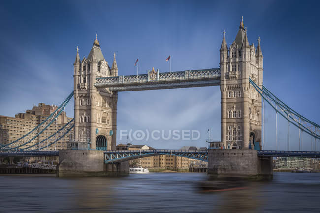 Royaume-Uni, Londres, vue de Tower Bridge et de la rivière Thames — Photo de stock