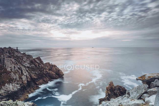 France, Brittany, Pointe du Raz, sunset at the coast — Stock Photo