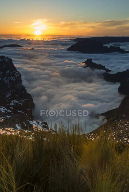 Portugal, Madeira, evening sun at Pico do Arieiro — Fotografia de Stock