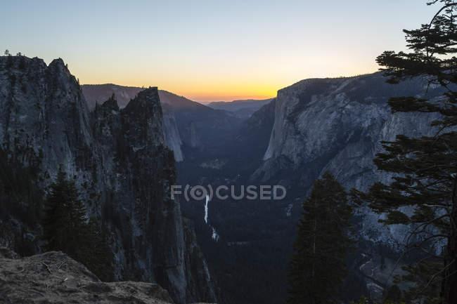 USA, Californie, paysage dans le Parc National de Yosemite — Photo de stock