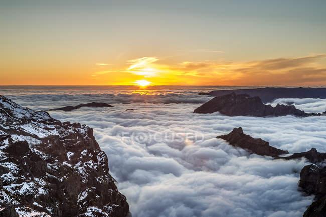 Portugal, Madeira, Sunset at Pico do Arieiro — Fotografia de Stock
