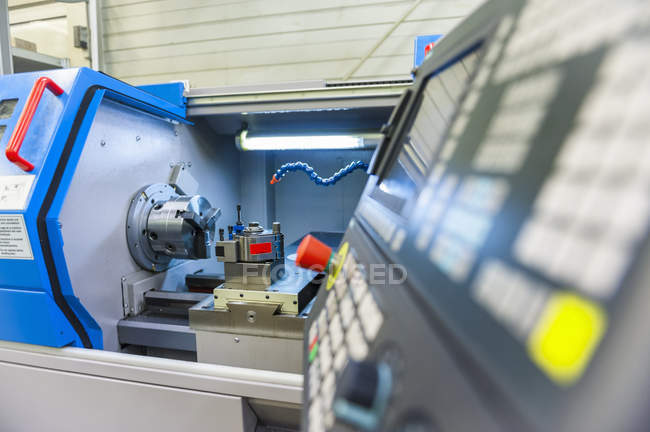 Milling machine for tool-making — Stock Photo