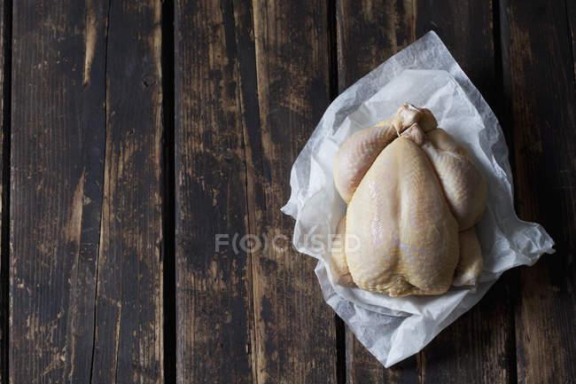 Pollo crudo da granoturco — Foto stock