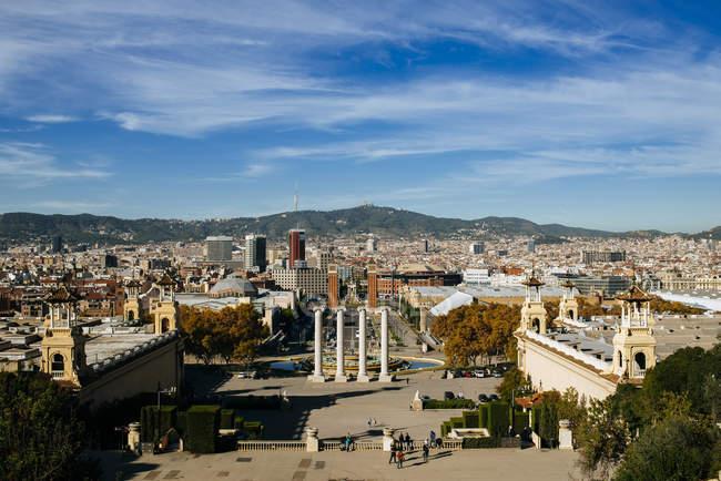 Vista panorámica de España, Barcelona, de la ciudad durante el día - foto de stock