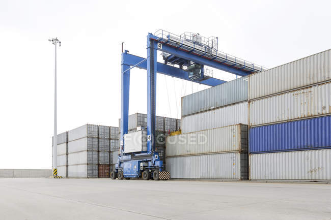 Stack of containers at harbor — Stock Photo