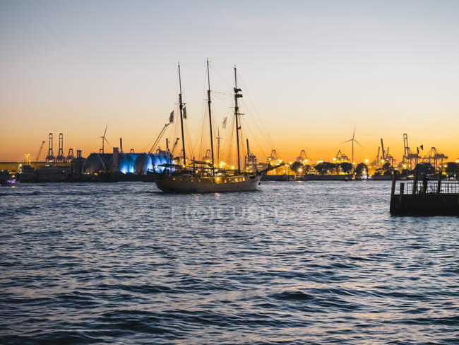 Germany, Hamburg, Harbour, Sailing ship in the evening — Stock Photo