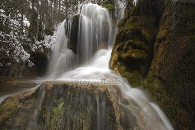 Espanha, Cuenca, Cachoeira no Rio Cuervo — Fotografia de Stock