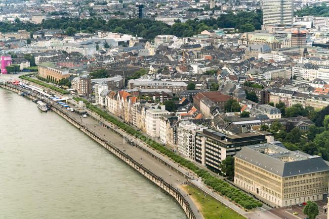 Allemagne, Duessseldorf, vue aérienne de la vieille ville et du Rhin — Photo de stock