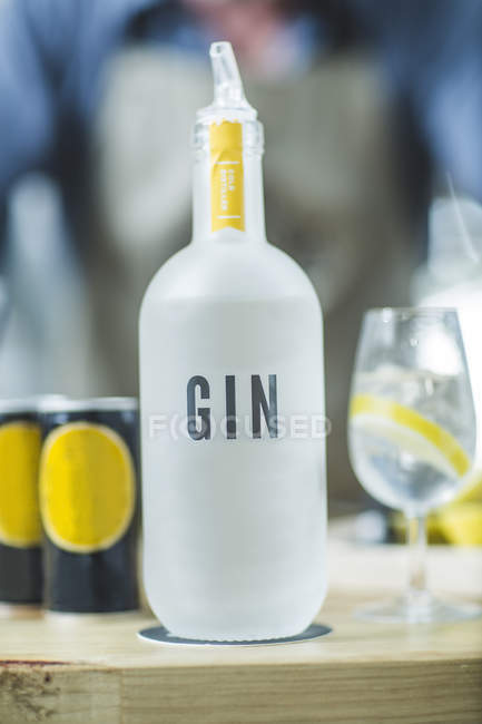 Close up of Bottle of gin in distillery — Stock Photo