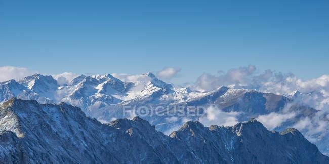 Alemania, Baviera, Allgaeu, Allgaeu Alpes vistos desde la estación de la cumbre de Hoefatsblick en Nebelhorn - foto de stock