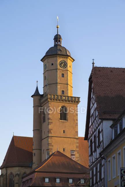 Deutschland, unterfranken, volkach, kirchenspitze von st barthlomäus und st georg — Stockfoto