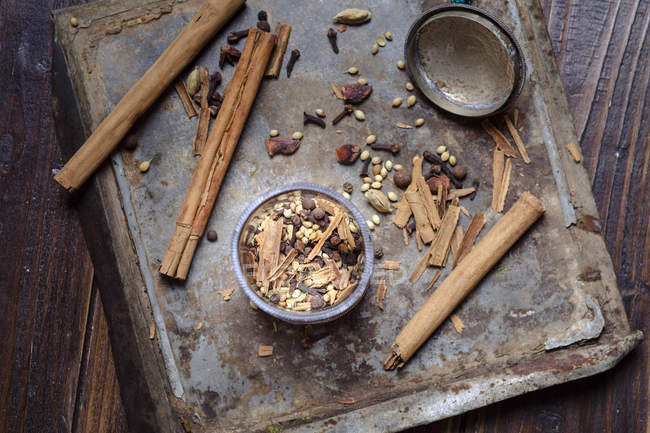 Erhöhten Blick auf Gewürze für Lebkuchen Gewürz — Stockfoto