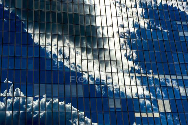 Detailansicht der Fassade der Europäischen Zentralbank in Frankfurt am Main, Deutschland — Stockfoto