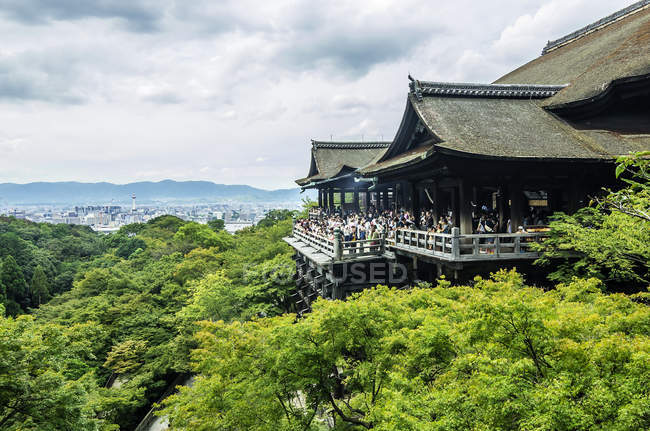 Japan, honshu, kyoto, kaiserliche stadt, kiyomizu-dera tempelanlage — Stockfoto