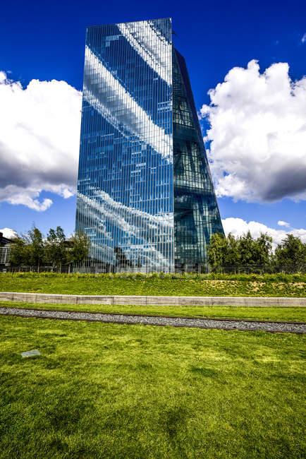 Alemanha, Hesse, Frankfurt, Banco Central Europeu durante o dia — Fotografia de Stock