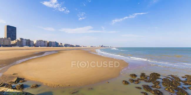 Бельгія, Фландрії, Ostende, Північного моря Приморський курорт, Панорама пляж денний час — стокове фото