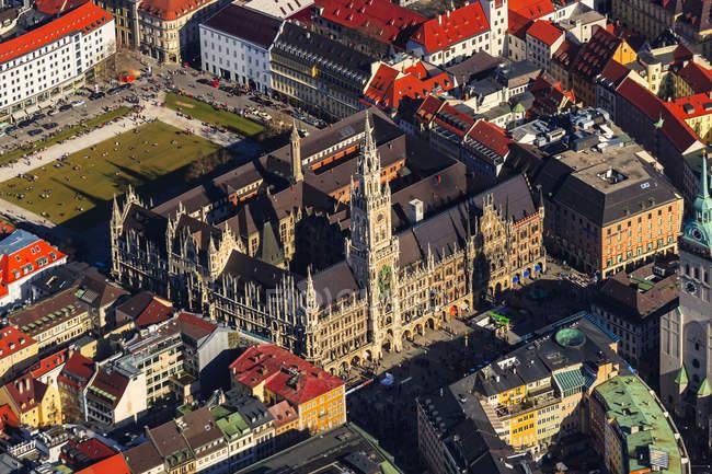 Deutschland, Bayern, München, Altes Rathaus und Marienplatz — Stockfoto