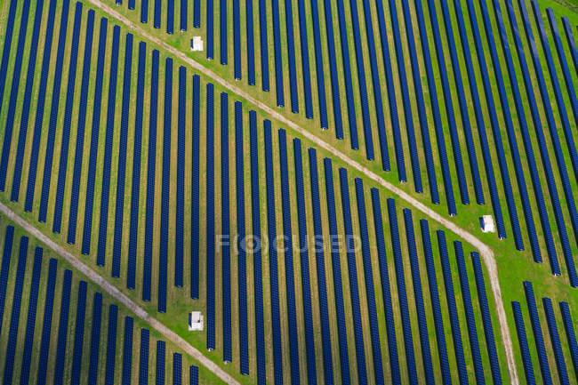 Німеччина, Баварія, сонячна електростанція — стокове фото