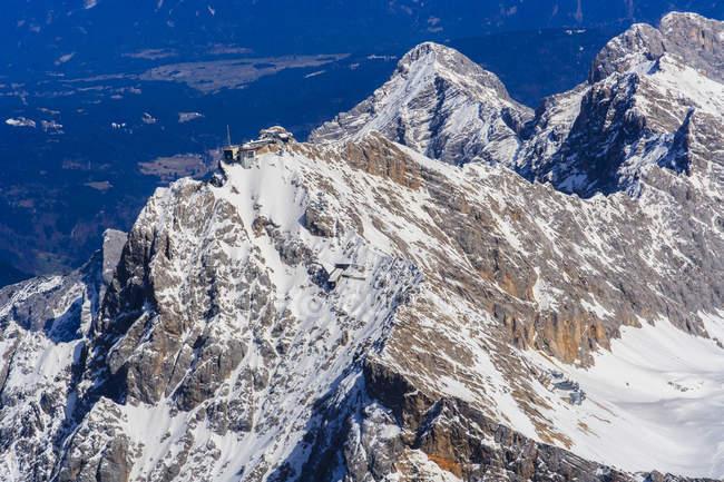 Allemagne, Bavière, Zugspitze et maison à Munich dans les Alpes — Photo de stock