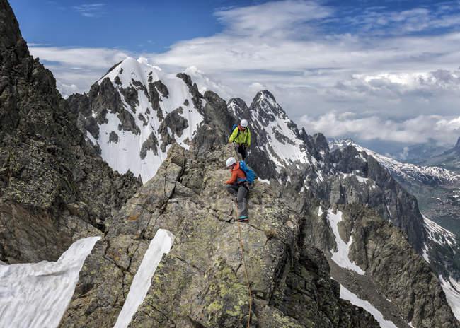 Франция, Шамони, Альпы, Верт, восхождение на вершину горы — стоковое фото
