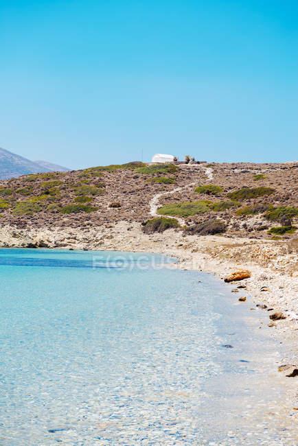 Греції, Кіклади, острові Amorgos, пляж та Егейське море на острові Nikouria — стокове фото