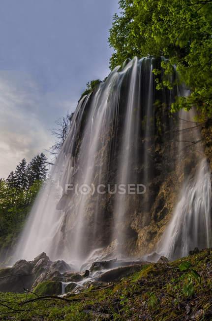 Cascada del Parque Nacional de Plitvice, Croacia - foto de stock