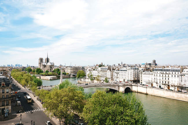 France, Paris, cityscape with Seine and Notre-Dame — Stock Photo