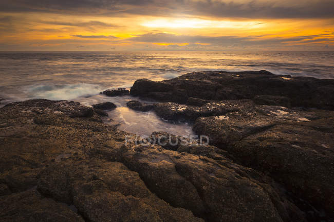 Thailand, Pukhet, view to the sea at sunrise — Stock Photo