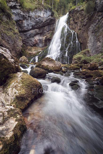 Cascada Golling, larga exposición - foto de stock