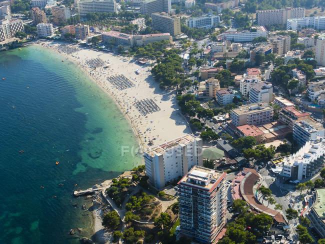 Spanien, Mallorca, Palma de Mallorca, Luftaufnahme der Strände und Hotels von Palmanova und Torrenova — Stockfoto