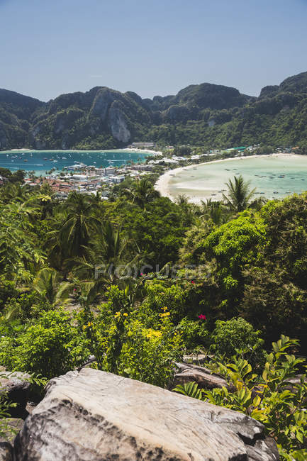 Thailandia, Mare delle Andamane, Veduta dell'isola di Ko Phi Phi — Foto stock
