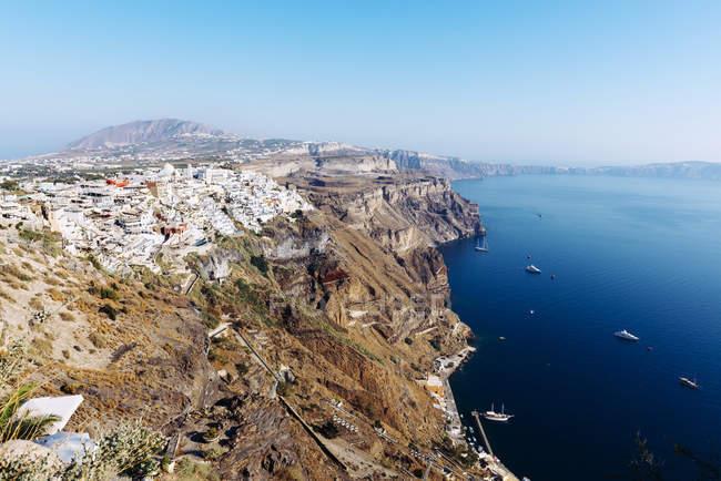 Griechenland, Santorini, Fira, Luftaufnahme, Dorf und caldera — Stockfoto