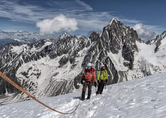 France, Chamonix, Alps, Petit Aiguille Vert, mountaineers — Stock Photo
