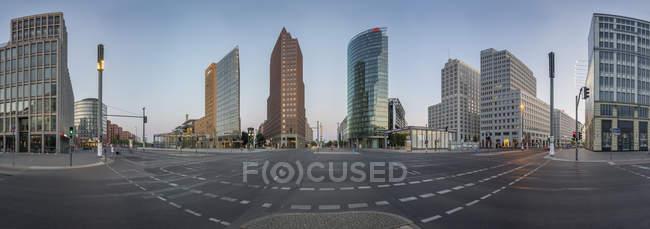 Germania, Berlino, Veduta panoramica di Potsdamer Platz al mattino presto — Foto stock