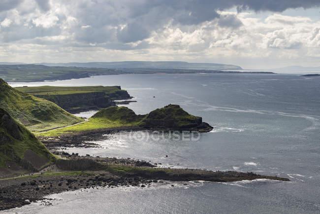 UK, Northern Ireland, County Antrim, coastal landscape with Giant's Causeway — Stock Photo