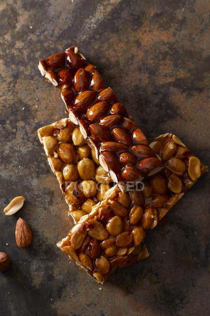Домашнє мигдалю і арахісове крихке — стокове фото