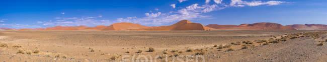 Africa, Namibia, Hardap, Sossusvlei, Namib desert, Namib-Naukluft National Park, Panorama of sand dunes — Stock Photo
