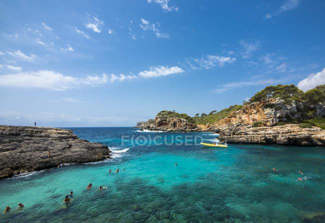 Spagna, Baleari, Maiorca, Santanyi, Veduta della costa di Cala S'Amonia — Foto stock