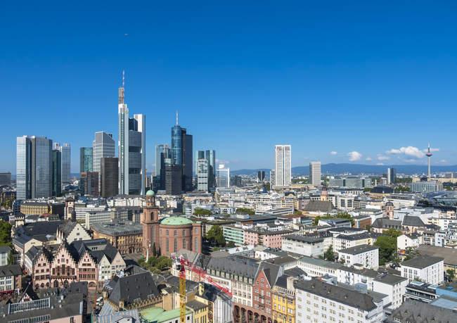 Blick auf die Stadt mit Bankenviertel Skyline, Frankfurt am Main, Hessen, Deutschland — Stockfoto