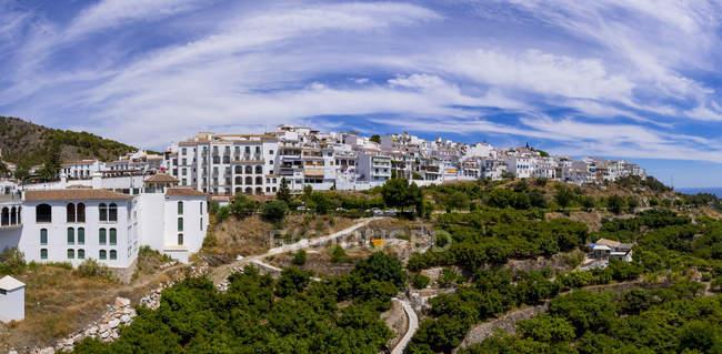 España, Andalucía, Costa del Sol, Vista de Frigiliana - foto de stock