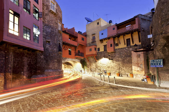 Historic city center with light trails, Mexico, Guanajuato — Stock Photo