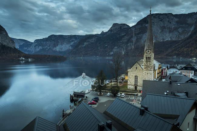 Austria, alta Austria, Salzkammergut, Hallstatt, véase lago Hallstaetter - foto de stock